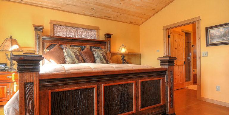 11890 Saddle Ridge Ln Salida-large-018-31-master bed2-1500x996-72dpi