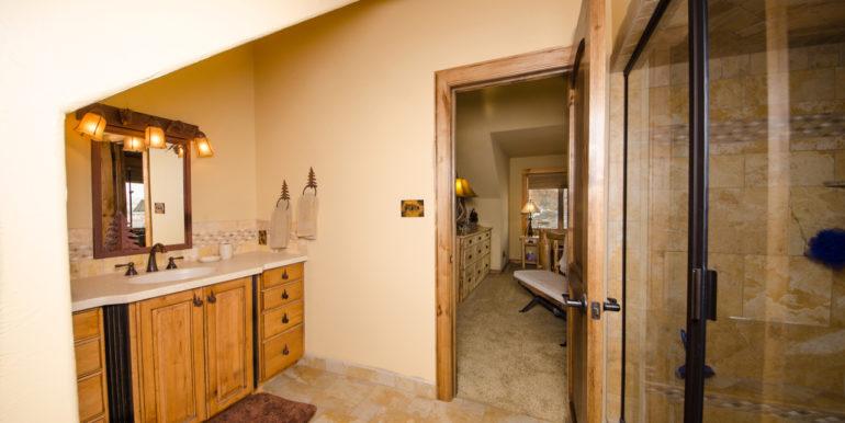 Dubois Residence - Interior-19